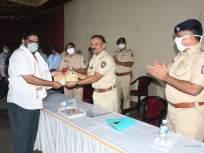 Coronavirus News: लॉकडाऊन काळात समाजकार्य करणाऱ्यांचा ठाणे पोलिसांनी सन्मान - Marathi News | Coronavirus News: Thane Police honors social workers during lockdown | Latest thane News at Lokmat.com