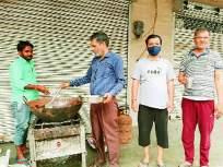 Coronavirus: 'आम्ही लांब उभे राहू; पण आम्हाला जेवू द्या'मजुरांची वणवण - Marathi News | Coronavirus: workers says'We will stand tall; But let us have a meal | Latest national News at Lokmat.com