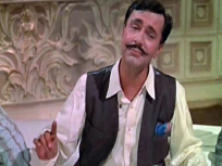 Birthday Special: बॉलिवूडच्या या दिग्गज अभिनेत्याने तुरुंगात राहून हलचल सिनेमाची शूटिंग केली होती पूर्ण, जेलमधून आणले जायचे सेटवर - Marathi News | irthday Special: Balraj Sahani's unique time when he used to go for shoot from Jail, read unknown facts | Latest bollywood Photos at Lokmat.com