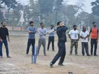 राजकारण बाजुला ठेवून माजी क्रिकेटपटू तेजस्वी यादवांनी घेतला क्रिकेटचा आनंद