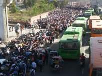 CoronaVirus: रोजगारच गेला, मग जगायचं कसं?; गावाला जाण्यासाठी बस स्टँडवर हजारोंची गर्दी - Marathi News | Coronavirus Thousands At Delhi Bus Station Waits For Ride Home kkg | Latest national News at Lokmat.com