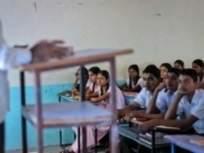 कर्तव्यदक्ष शिक्षकाचा ११०० किमी प्रवास; गोंदियावरून दुचाकीने गाठली मुंबई - Marathi News | 1100 km journey of a teacher to join duty | Latest maharashtra News at Lokmat.com