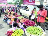 रस्त्यावर २० टक्के अनधिकृत वाढलेले फेरीवाले आणि नागरिकांचा निष्काळजीपणा यामुळे वाढतो कोरोना - Marathi News | The 20 per cent increase in unauthorized peddlers on the streets and the negligence of the citizens increase the corona | Latest mumbai News at Lokmat.com