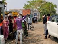 Corona Virus in Wardha; बालाघाटला निघालेल्या ३४ कामगारांना वर्ध्याच्या जिल्हाधिकाऱ्यांनी थांबवले - Marathi News | Wardha district collectors stopped 34 workers leaving for Balaghat | Latest vardha News at Lokmat.com
