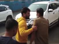 मुंबईच्या रस्त्यावर या अभिनेत्याची दादागिरी, बस चालकाला रस्त्यावर ओढत आणलं - Marathi News | Bhojpuri Actor Khesari Lal Yadav Misbehave Bus Driver After His Suv Accident | Latest bollywood News at Lokmat.com