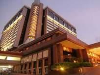 ताज लॅन्ड्स एन्ड हाॅटेलच्या स्टोअर्समध्ये सापडली झुरळे - Marathi News | Cockroaches found in Taj Lands & Hotel stores | Latest mumbai News at Lokmat.com