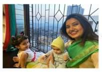 या दोघींच्या आगमनाने खूश झालीये प्राजक्ता माळी, तिच्यासाठी आहेत या खूपच स्पेशल - Marathi News | prajakta mali shares picture with niece | Latest marathi-cinema News at Lokmat.com