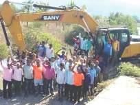 आंबोलीतील माती बंधाऱ्याचे काम ग्रामस्थांनी पाडले बंद