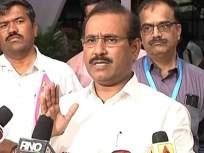 Coronavirus : धारावी झोपडपट्टीला आरोग्यमंत्री राजेश टोपे यांची भेट; कोरोनाग्रस्तांच्या विशेष रुग्णालयाची केली पाहणी - Marathi News | Coronavirus : Health Minister Rajesh Tope visits Dharavi slum vrd | Latest mumbai News at Lokmat.com