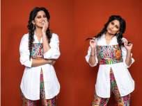 'हो जा रंगीला रे ...' म्हणत सई ताम्हणकरने शेअर केले ग्लॅमरस फोटो, पहा फोटो - Marathi News | 'Ho Jaa Rangila Re ...', Sai Tamhankar shared glamorous photos, see photos | Latest marathi-cinema Photos at Lokmat.com