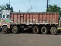 चालक शौचास गेल्यानंतर चोरट्यांनी पळविला ट्रक