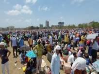 धक्कादायक ! उन्हाची काहिली, ट्रेनच्या प्रतीक्षेत असलेल्या महिलेच्या जीवावर बेतली! - Marathi News | Shocking, 58-year-old woman waiting for train token at Vasai ground dies | Latest mumbai News at Lokmat.com