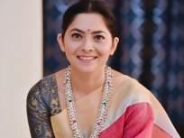 साडीत एखाद्या अप्सरे इतकीच सुंदर दिसते अभिनेत्री सोनाली कुलकर्णी, पाहा तिचे हे फोटो - Marathi News | Actress Sonali Kulkarni looks as beautiful in a saree | Latest marathi-cinema Photos at Lokmat.com