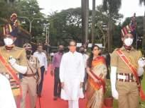 Independence Day 2020 : मुख्यमंत्र्यांच्या हस्ते मंत्रालयात ध्वजारोहण, 'जय जवान जय किसान, जय कामगार'चा दिला नारा - Marathi News | CM Uddhav Thackeray Hoists National Flag on 74th Independence Day | Latest maharashtra News at Lokmat.com