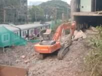 चुनाभट्टी येथे रेल्वे रुळावर भिंत कोसळल्याने हार्बर रेल्वे विस्कळीत - Marathi News | Harbor railway disrupted due to wall collapse at Chunabhatti | Latest mumbai News at Lokmat.com