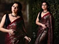 मरून रंगाच्या सीक्वेंस साडीत स्टनिंग दिसली सोनाली कुलकर्णी, फोटो पाहून म्हणाल - क्या बात है! - Marathi News | Sonalee kulkarni looking beautiful in red colors saree photoshoot | Latest marathi-cinema Photos at Lokmat.com