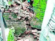 १०० वर्षे जुन्या धर्मशाळेची भिंत पडली