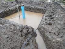 वडगावच्या शेतकऱ्याने स्वखर्चाने राबवला बोअरवेल पुनर्भरण उपक्रम