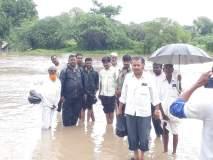 Maharashrra Voting 2019 Live: धक्कादायक; नदी पार करून मतदानाला येण्यासाठी मुस्ती ग्रामस्थांची धडपड