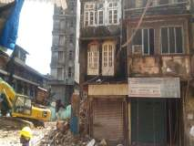 हुसैनी इमारत पाडताना शेजारील दावरवाला इमारतही कोसळण्याची भीती, तातडीनं रहिवाशांना काढण्यात आले बाहेर