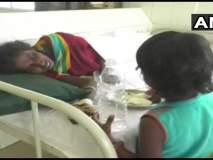 आईवरील उपचारांसाठी चिमुरडीवर भीक मागायची वेळ