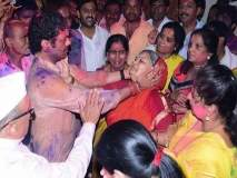 महाराष्ट्र निवडणूक निकालः 'माझा धनु जिंकला'... धनंजय मुंडेंच्या विजयानंतर मातोश्रींना अश्रू अनावर