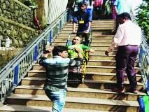 Maharashtra Election 2019: ज्येष्ठांचा उत्साह तरुणांपुढे आदर्श; तब्येतीची कुरबुर न करता बजावला मतदानाचा हक्क