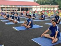 International Yoga Day: नौदलाच्या जवानांनी केला जहाजावर योग अभ्यास