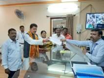 Maharashtra Vidhan Sabha 2019 : शक्ती प्रदर्शन टाळत दीपक केसरकर यांनी भरला उमेदवारी अर्ज