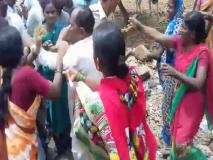 पोलिसांना धारेवर धरत महिलांनी दारू विक्रेत्यांना दिला चोप
