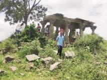 गुप्तधनासाठी खोदला पुरातन कलावंतिणीचा महाल