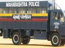 मदतीचा हात ! मुसळ'धार' पावसात कौतुकास्पद कामगिरी करणा-या मुंबई पोलिसांना सलाम