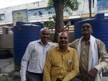 ग्रामसेवकांनी मुंडन करून नोंदविला शासकीय धोरणाचा निषेध