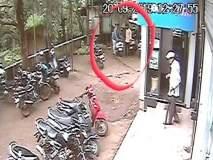 सावधान...! आपल्या खिशात किल्ली तरीही उघडली जाते मोपेड बाईकची 'डिक्की'