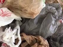 मजुरांकडून प्लास्टिक गोळा करण्याची मोहीम