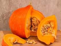 वजन कमी करण्यासोबतच 'या' जीवघेण्या आजारापासून बचाव करतो भोपळा