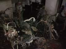 पुण्यातील दांडेकर पुलाजवळील इमारतीतील 11 गाड्या जळून खाक