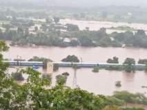 VIDEO : वांगणीजवळ रुळांवर पाणी आल्याने अडकलेली महालक्ष्मी एक्स्प्रेस