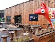 बाबो! 'या' रेस्टॉरन्टमध्ये पिण्यासाठी दिलं जातं टॉयलेटचं रिसायकल केलेलं पाणी!