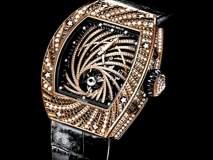 उद्योगपतीच्या हातातील कोट्यवधी रूपयांचं घड्याळ घेऊन चोराचा पोबारा, किंमत वाचून व्हाल अवाक्...
