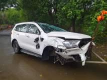 पुणे - मुंबई एक्सप्रेसवेवर धनंजय मुंडे यांच्या ताफ्यातील गाडीला अपघात
