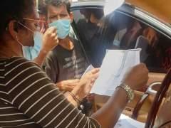 CoronaVirus News: भारतीय कामगारांची नोकरी गेली, बचतही संपली; मातृभूमीचं ऋण ओळखून 'ती' मदतीला धावली!