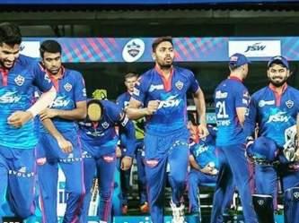 वडिलांचा होता पानाचा ठेला, घरी अठराविश्व दारिद्र्य अन् आज टीम इंडियासोबत करतोय इंग्लंड दौरा! - Marathi News | avesh khan life story father was pan shop owner rishabh pant delhi capitals ipl 2021 indian cricket team | Latest cricket Photos at Lokmat.com
