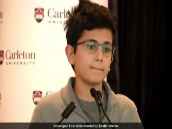 VIDEO : 'त्या' दुर्घटनेत वडिलांचा मृत्यू झाला अन् मुलानं स्मरण करत दिलं भावूक भाषण, म्हणाला...