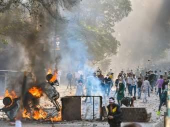 Delhi Violence: ईशान्य दिल्लीत सर्व भागात हिंसाचार घडला; पण न्यू जाफराबाद कॉलनी सुरक्षित राहिली, कारण...