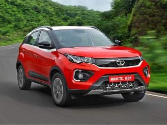 १५ लाखाची नवीकोरी कार टाटा कंपनी ग्राहकांना भाड्याने देणार; ३६ महिने चालवा अन् परत द्या - Marathi News | Tata Nexon EV available on monthly subscription starting at 41 thousand | Latest auto Photos at Lokmat.com