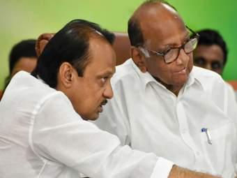 राष्ट्रवादीत पडले उघड दोन गट;बहुतांश नेते शरद पवारांसोबत - Marathi News | Two groups in NCP Most of the leaders are with Sharad Pawar | Latest politics News at Lokmat.com
