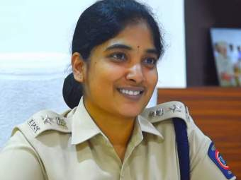 मुंबईची लेडी सिंघम! 14 व्या वर्षी लग्न झाले, 18 व्या वर्षी दोन मुले पदरात; IPS चे स्वप्न केले साकार - Marathi News | Lady Singham of Mumbai! Married at the age of 14, two children at 18; dream of IPS has come true | Latest crime News at Lokmat.com