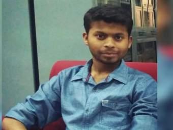 धक्कादायक! कोरोना रिपोर्ट पॉझिटिव्ह आल्यानंतर अवघ्या काही तासांत डॉक्टरचा मृत्यू! - Marathi News | 26 year old delhi doctor dies of covid complications within hours of testing positive | Latest national News at Lokmat.com