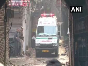 दिल्लीतील अनाज मंडी येथे भीषण आग, 43 जणांचा मृत्यू